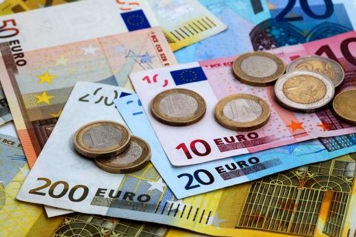 ANALIZĂ economică săptămânală: Euro testează atingerea de noi maxime istorice!