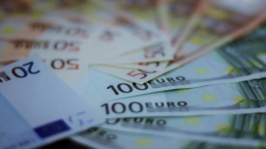 Cursul euro nu a reușit să treacă de 4,78 lei