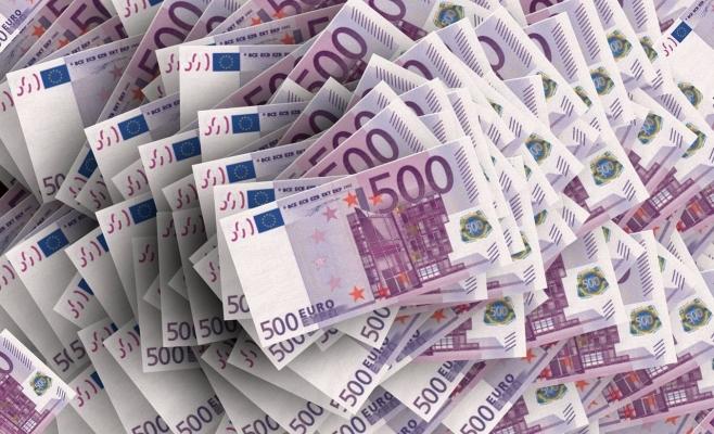 Euro a scăzut la minimul ultimelor două săptămâni