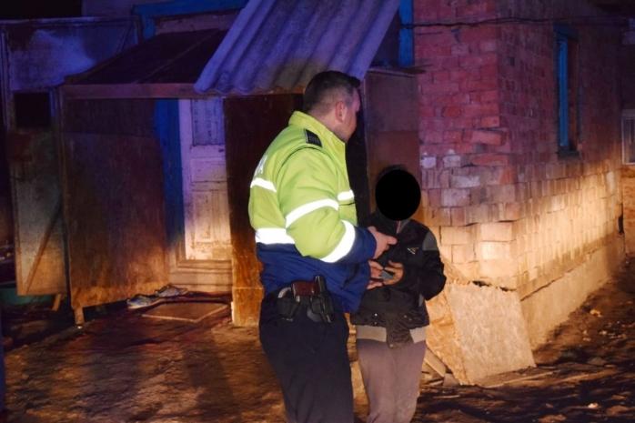 Ticălos de 19 ani, arestat după ce a jefuit un bătrânel de 83 de ani din Ciucea, sursă foto: IPJ Cluj, ilustrație