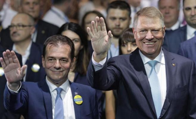 """Senator clujean, foc și pară pe Iohannis și Orban: """"Nu vă bateţi joc de dreptul la vot!"""""""