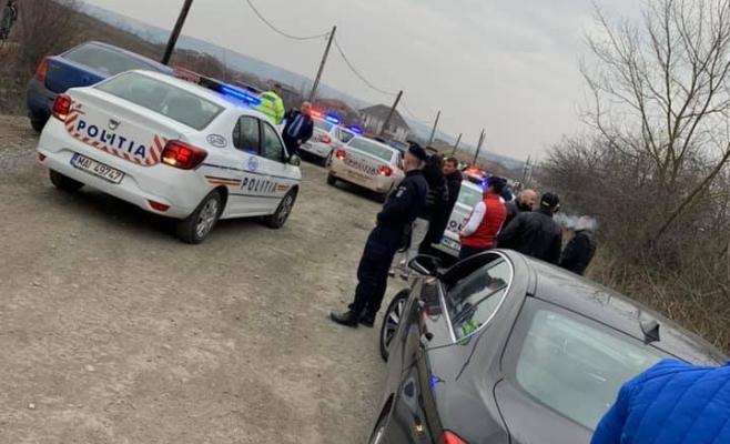 Panică pe străzile din oraş! Mai multe maşini de POLIŢIE urmăresc un şofer cu BMW