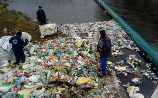 Primăriile clujene, somate să aibă grijă la curățenia apelor. Poduri de gheață în zonele montane