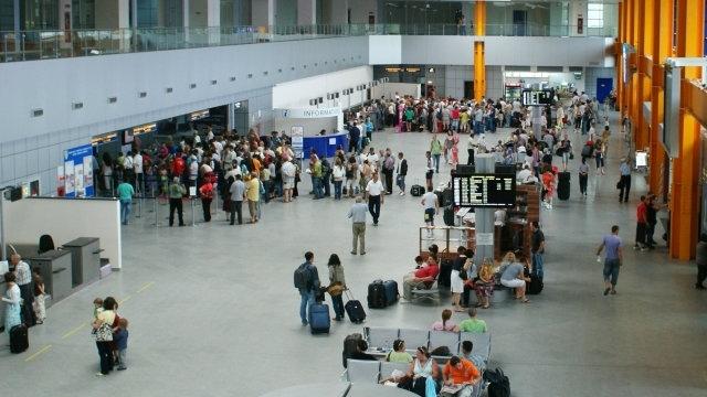 Linie specială pentru preluarea pasagerilor care vin din China pe Aeroportul Cluj