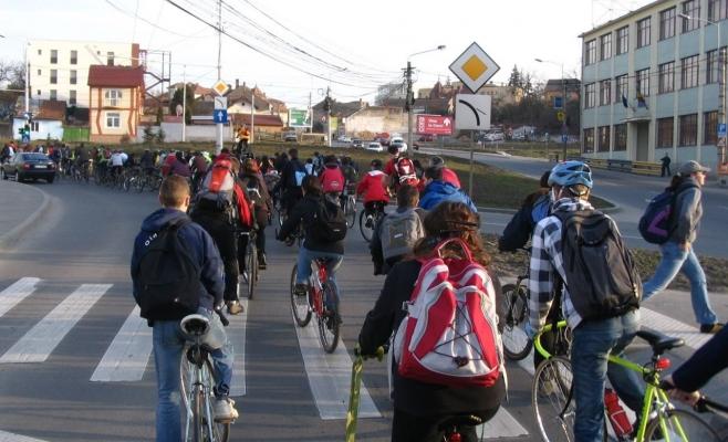 Dezbatere la Cluj pentru oficializarea unei rețele naționale de trasee pentru cicloturism
