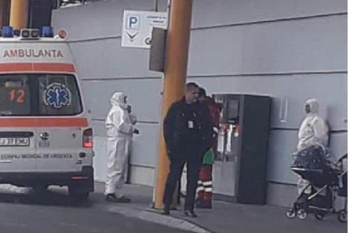 ALERTĂ la Aeroportul Cluj! Stewardesă suspectă de CORONAVIRUS, avion BLOCAT pe pistă!, sursă foto: Facebook Info Trafic