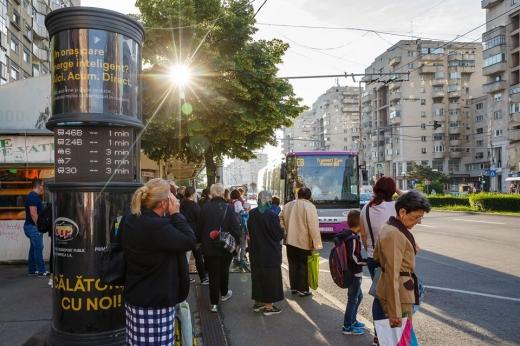 """După studenți și elevi, se schimbă regula și pentru """"seniorii cetății"""". Transport public gratuit pentru peste 77.000 de pensionari clujeni, sursă foto: Facebook Emil Boc"""