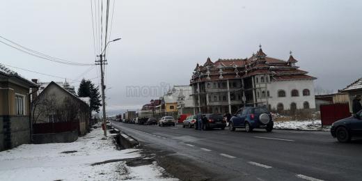 Accident la Huedin, circulația blocată pe ambele sensuri, sursă foto: Bianca Tămaș/ monitorulcj.ro