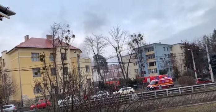 Incendiu la Cluj-Napoca. O femeie în vârstă, intoxicată cu fum, transportată de urgență la spital, sursă foto: Facebook Info Trafic jud. Cluj
