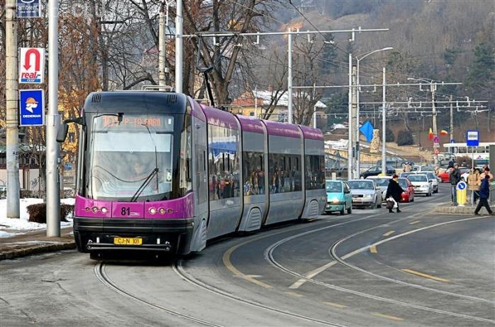 Modernizarea liniilor de tramvai din Cluj-Napoca, în atenția DNA! Procurorii anticorupție, la Primărie