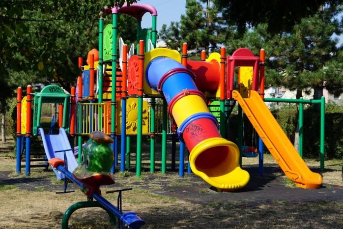 Primăria pune la bătaie 1,3 mil. € pentru reparația aparatelor de joacă și de fitness în Cluj-Napoca