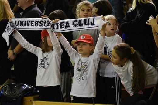 Clujenii, încălziți pentru meciul stelar cu Spania, sursă foto: Paul Gheorgheci/ monitorulcj.ro