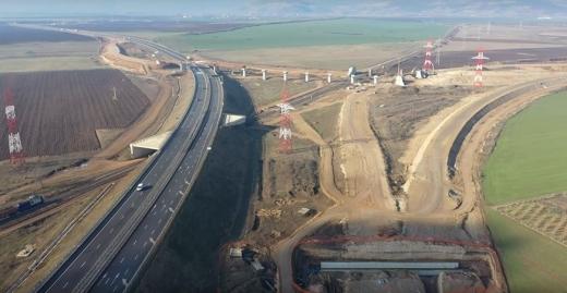 """Bani cu țârâita! A10 Sebeș-Turda, printre cele mai vitregite lucrări. Cum să avanseze constructorii cu restanțe? Până acum, 1,65 miliarde de lei """"tocați"""" pe 70 km!, sursă foto: Ziarul Unirea"""
