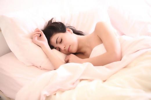 Câte ore e bine să dormi în funcție de vârstă?