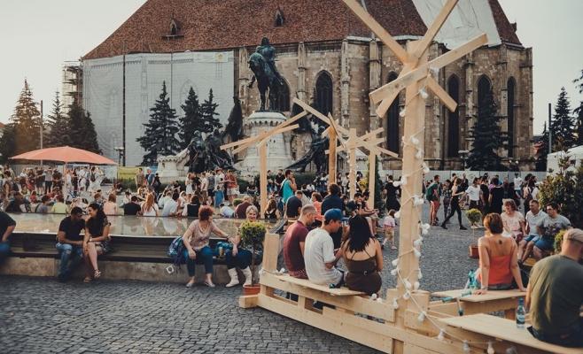 Mii de tineri au plecat definitiv din țară. Clujul, pe locul secund la potențialul capitalului uman, sursă foto: Facebook Cluj Never Sleeps