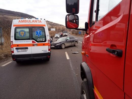 Accident la Feleacu. Un autoturism și o autoutilitară s-au ciocnit, cinci persoane implicate, sursă foto: ISU Cluj