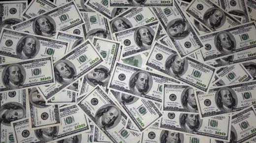 Dolarul a crescut de la începutul anului cu 16,33 bani
