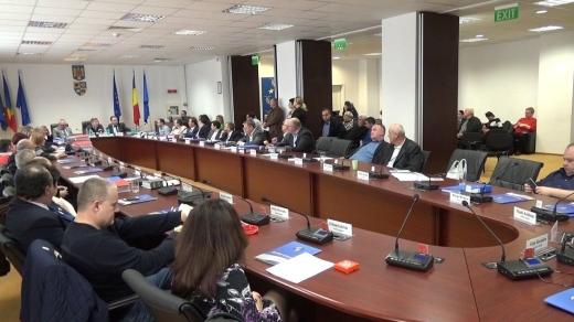 """Bugetul Consiliului Județean Cluj a fost aprobat. Bani """"cu țârâita"""" pentru investiții"""