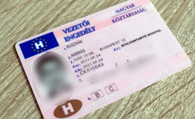 Tânăr din Gherla, prins la volan fără permis. Le-a arătat polițiștilor un act fals de Ungaria