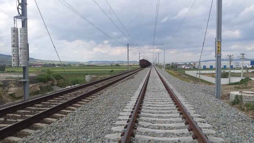 Ce mai cumpără Regionala CFR Cluj? Piatră spartă de peste 870.000 de euro
