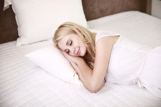 La ce ore e bine să te culci? Când să te bagi în pat ca să te odihnești așa cum trebuie?