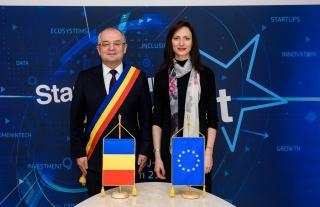 Primarul Emil Boc și comisarul european Mariya Gabriel, în dialog cu clujenii