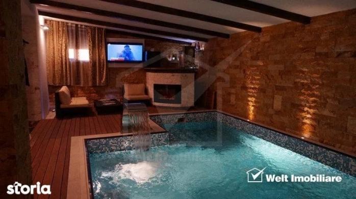 Un apartament din Cluj are piscina in interior