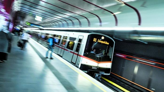 """6,2 mil. € pentru studii la """"metroul lui Boc"""" și trenul metropolitan. Contractul, gata într-o lună?"""