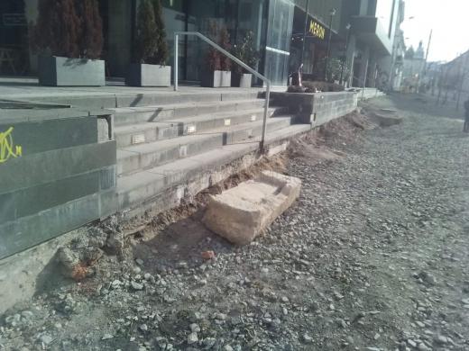 Fragment arhitectural din piatră