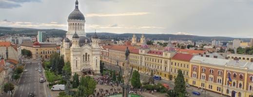 Mitropolia Clujului: Dezinfecție frecventă în biserici, slujbe ascultate la radio sau în afara lăcașelor