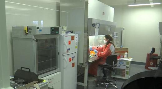 fundatia-con-a-doneaza-spitalului-judetean-sibiu-o-linie-de-testare-pentru-coronavirus