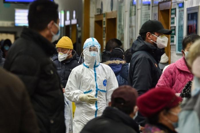 cum-se-poarta-coronavirusul-si-de-ce-este-mai-periculos-decat-gripa-