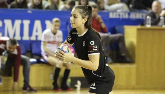 interviu-rebeca-necula-noua-speranta-a-handbalului-romanesc-visez-la-o-medalie-cu-romania