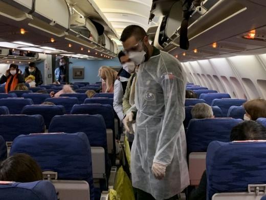 un-roman-testat-pozitiv-cu-coronavirus-in-spania-s-a-urcat-intr-un-avion-si-a-venit-in-romania