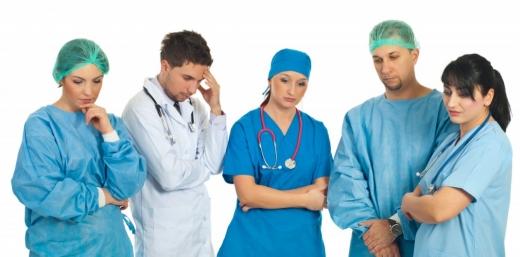 Medicii rezidenți, dar și studenții și elevii voluntari vor fi redistribuiți începând de miercuri