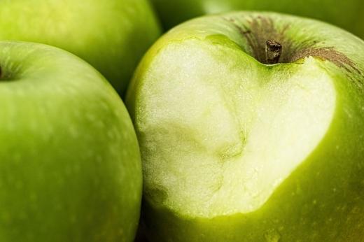 mere-toxice-adevarul-despre-merele-care-te-pot-otravi
