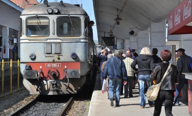 Circulația multor trenuri, suspendată pentru limitarea răspândirii COVID-19