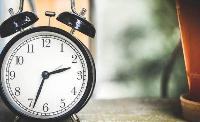 ora-de-vara-sambata-noaptea-dam-ceasurile-inaint