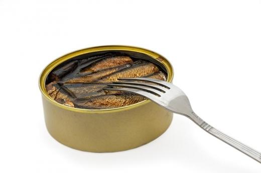 Conserve toxice: ce se intampla in corpul tau atunci cand mananci mancare din conserve