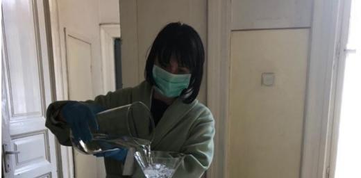 UMF Cluj produce dezinfectant de mâini pentru medicii din spitalele clujene