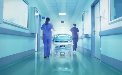 Bonus LUNAR de 500 de EURO pentru medicii care lucrează cu bolnavi de COVID-19