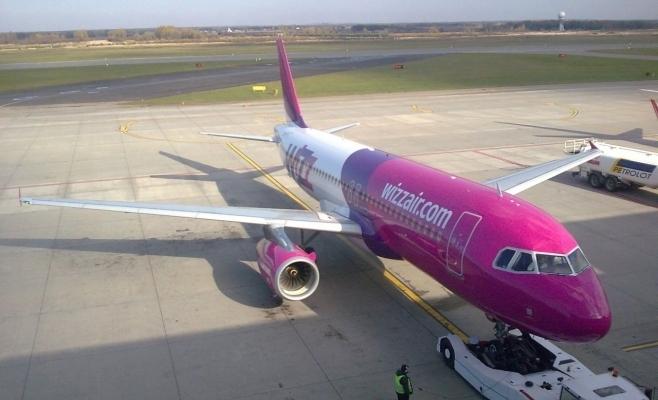 Wizz Air își suspendă rutele între România și Marea Britanie, Elveția și Olanda