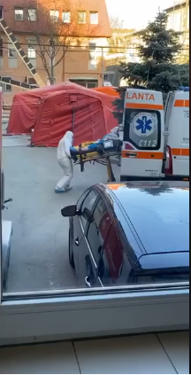 VIDEO. Primii pacienți CONFIRMAŢI cu noul Covid-19 au intrat în Clinica Medicală 1 a Spitalului Clinic Județean de Urgență Cluj, FĂRĂ IZOLETĂ!