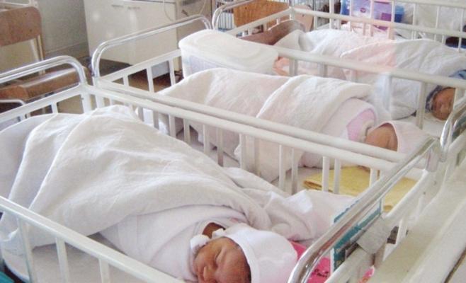 10 nou-născuți, infectați în maternitate cu CORONAVIRUS. Testele mamelor sunt NEGATIVE