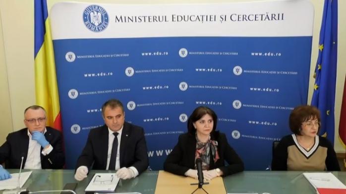 """Ministrul Educației confirmă: anul școlar NU se îngheață! Contră dură: """"Nu își asumă nimic!"""""""