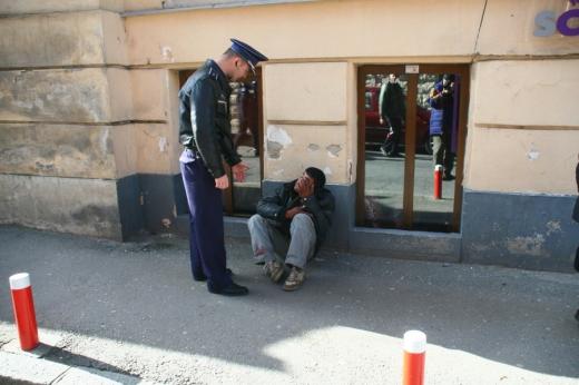 Mai mulți cerșetori mișună pe străzile Clujului, în plină epidemie de coronavirus