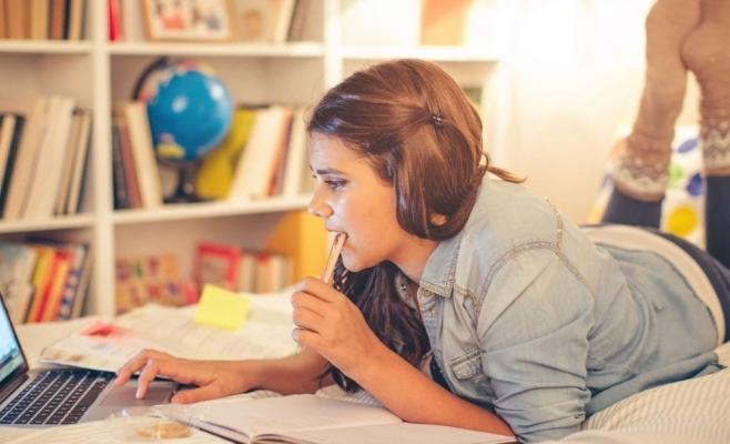 Cum ar vrea elevii clujeni să fie învățarea online