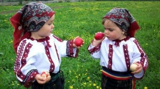 Paștele în Transilvania: tradiții și superstiții. În Cluj unii oameni împodobesc crengile copacilor