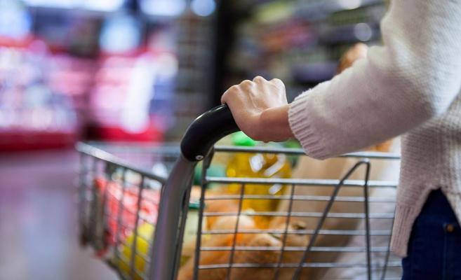 Trebuie să dezinfectăm alimentele cumpărate de la magazin? Ce spun specialiștii