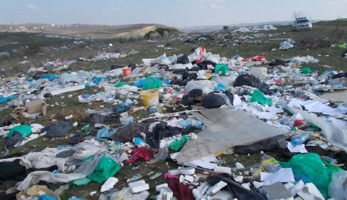 STOP arderilor de gunoaie în starea de urgență! Activiștii cer oprirea importului de deșeuri
